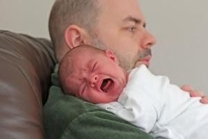 thumb_colic-crying